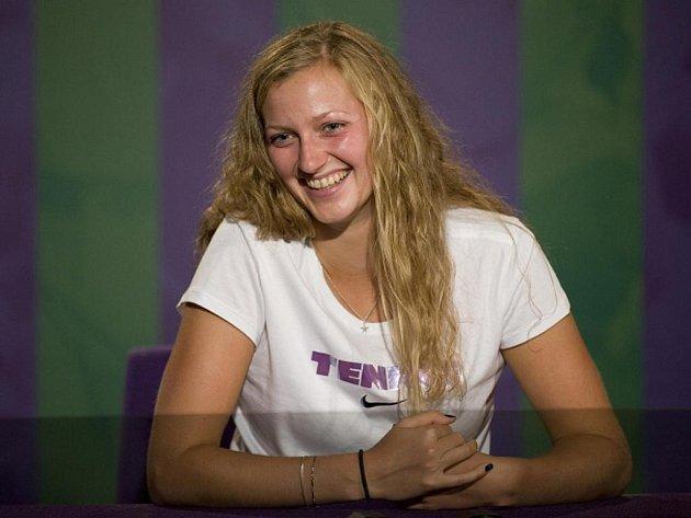 Šťastná wimbledonská vítězka Petra Kvitová.