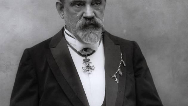 František Křižík přispěl ke zdokonalení obloukové lampy