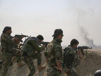 Irák do operace nasadil tisíce vojáků, po jejichž boku bojují kurdští pešmergové a také šíitské milice.