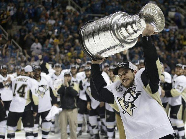 Hokejisté Pittsburghu slaví počtvrté v historii zisk Stanleyova poháru.