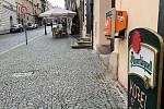 Nevídané, Praha bez turistů. V centru můžete zajít na pivo za rozumné ceny.