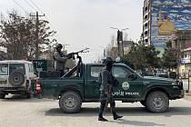 Afghánské bezpečnostní síly na místě útoku v Kábulu