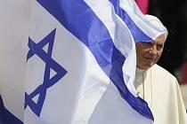 Papež přiletěl do Izraele. 11. květen 2009