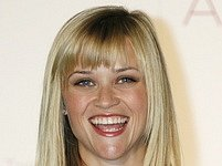 Herečka Reese Witherspoon se pouští na pole charity