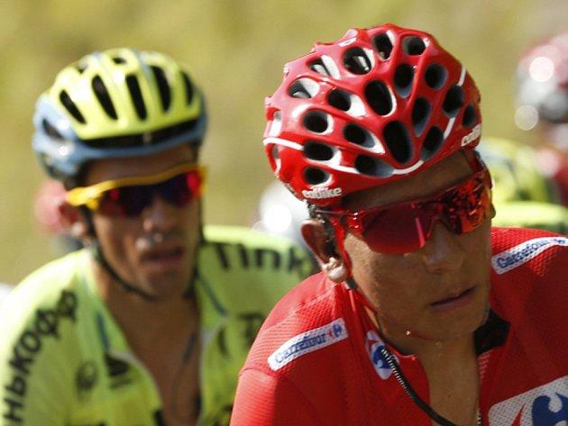 Nairo Quintana (vpravo) a Alberto Contador na Vueltě.