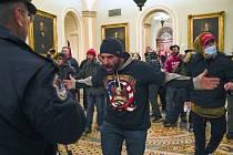 Vpád Trumpových příznivců do washingtonského Kapitolu