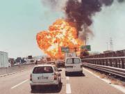 U letiště v Bologni explodovala cisterna