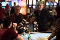 Čtyři herecké legendy, držitelé celkem 6 Oscarů a 9 oscarových nominací a protagonisté filmů, jejichž celosvětová tržba dosáhla téměř 6 miliard dolarů, se poprvé objevují společně na plátně… Michael Douglas, Rober De Niro, Morgan Freeman a Kevin Kline.