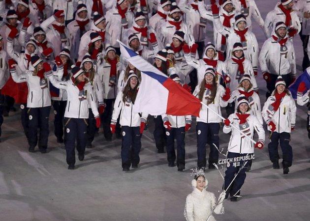 Českou vlajkonoškou na slavnostním zahájení zimních olympijských her vPchjongčchangu byla Eva Samková.