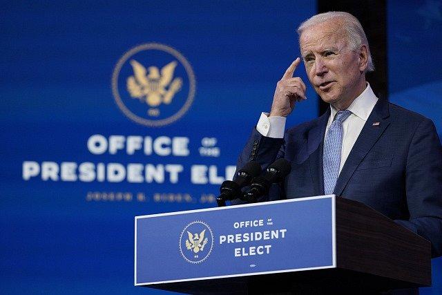 Vítěz amerických prezidentských voleb Joe Biden promluvil po vpádu příznivců Donalda Trumpa do Kapitolu k národu.