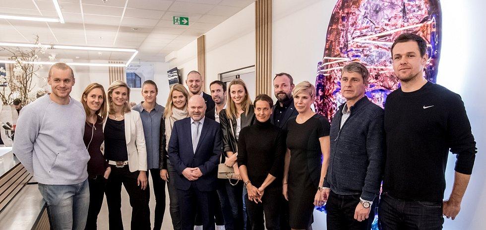 Druhé pracoviště Centra pohybové medicíny Pavla Koláře bylo otevřeno 6. února 2018 v Praze. Pavel Kolář se skupinkou svých pacientů