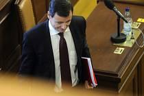 Poslanec David Rath na schůzi Poslanecké sněmovny, která 7. září v Praze jednala o jeho vydání k dalšímu trestnímu stíhání