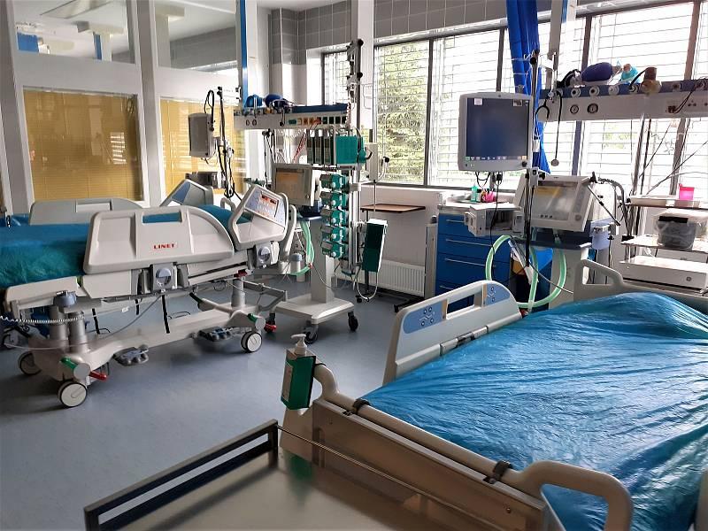 Jedna ze stanic ústecké kliniky anesteziologie, perioperační a intenzivní medicíny.