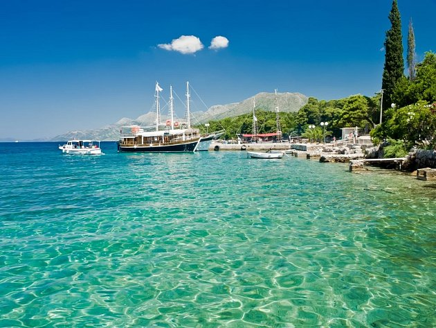 Přes noc vás bude houpat moře, přes den vyrazíte na kole do nádherné, nyní už skoro liduprázdné chorvatské přírody...