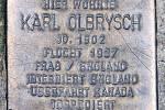 Další kámen zmizelých připomíná památku Karla Olbrysche. Také on při potopení lodi Arandora Star zahynul