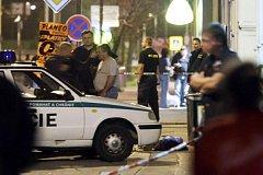 Útočník v Chomutově zastřelil dva muže včetně jedhoho policisty.