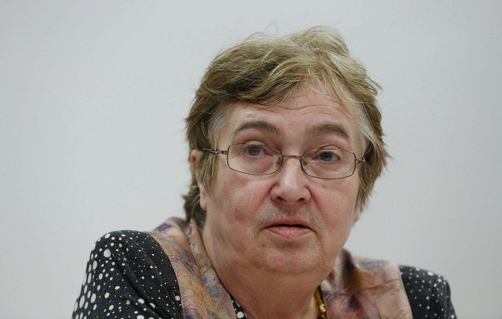 Rada Ústavu pro studium totalitních režimů (ÚSTR) vystoupila na tiskové konferenci k aktuální situaci.  Petruška Šustrová.