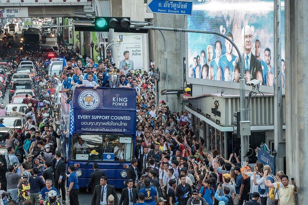 Leicester zažil největší euforii v roce 2016, kdy získal titul. Celý tým to oslavil v Thajsku