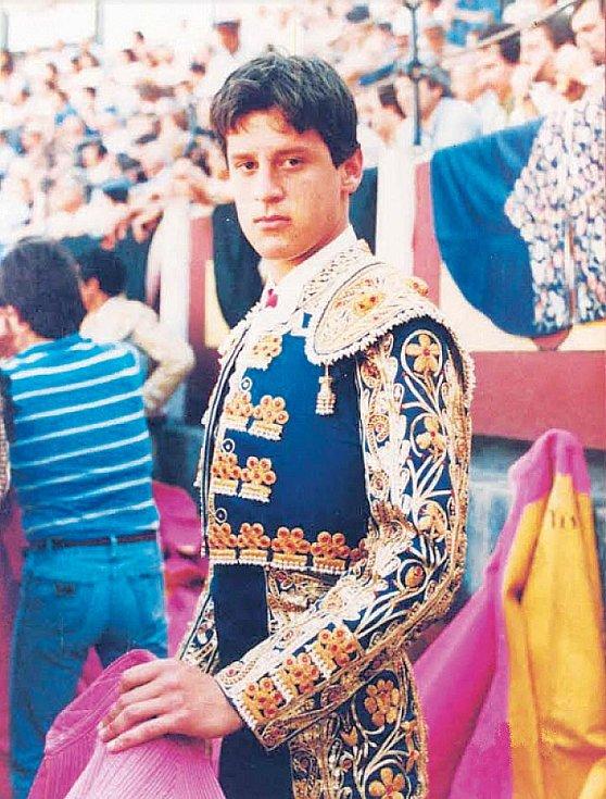 Álvaro Múnera jako mladý toreador.