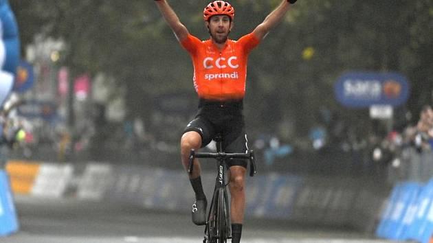 Český cyklista Josef Černý v cíli 19. etapy Gira.
