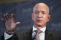 Zakladatel internetového prodejce Amazon Jeff Bezos