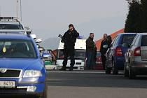 V Chomutově se 2. dubna konala rekonstrukce vraždy kontroverzního podnikatele a vlivného člena ČSSD Romana Housky.