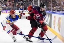 Matt Duchene z Kanady (vpravo) proti Rusku.