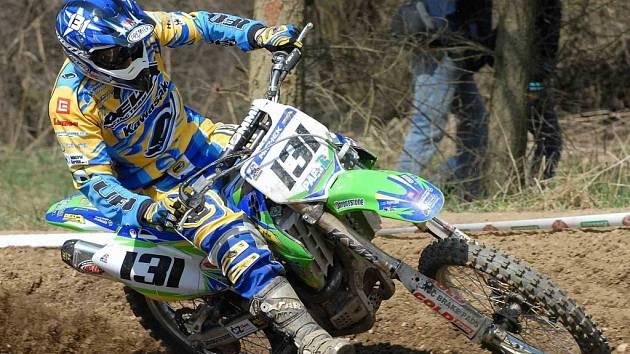 Martin Michek vyhrál v Pacově zahajovací závod mezinárodního mistrovství České republiky v motokrosu v kubatuře Open.