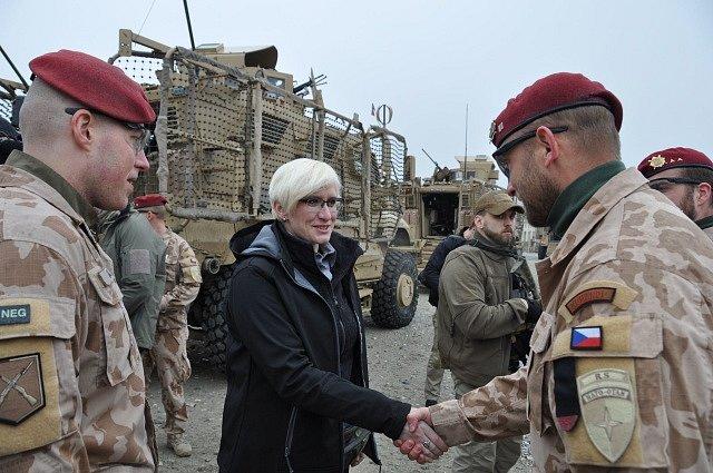 Ministryně Karla Šlechtová se zástupci zahraniční mise v Afghánistánu