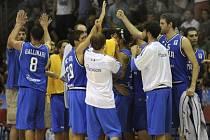 Italští basketbalisté nedali v Chomutově Česku šanci.