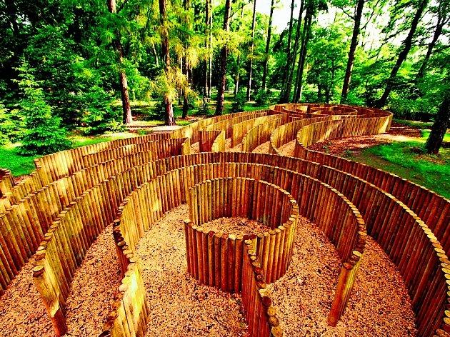 V Loučni najdete několik labyrintů, jejichž tvůrcem je v této oblasti světoznámý Adrian Fischer.