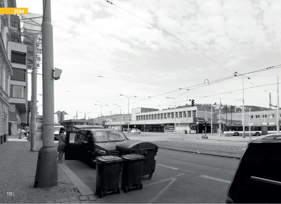 Budova smíchovského nádraží současný stav.