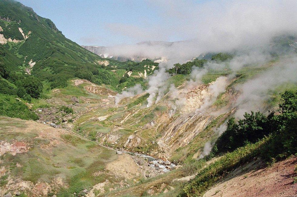 Dvě třetiny jedinečného Údolí gejzírů na ruské kamčatce zničil masivní sesuv půdy.