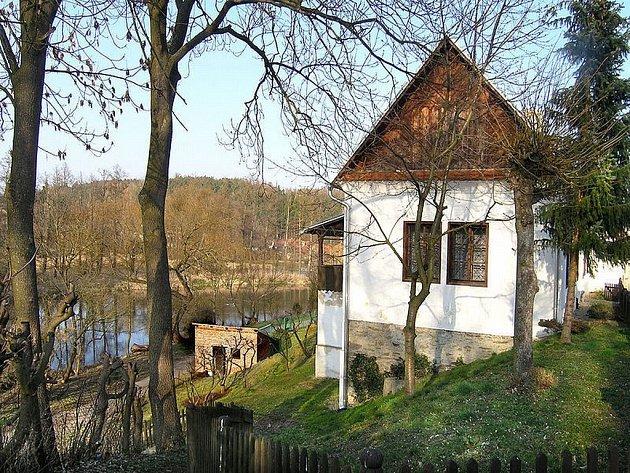 Rodný dům Mikoláše Alše v Miroticích dnes.