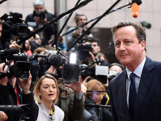 Cameron už počátkem listopadu poslal Tuskovi dopis, ve kterém formuloval, co přesně je třeba dojednat. Novou definici vztahů s EU slíbil voličům před tím, než do konce roku 2017 vypíše referendum o setrvání země v unii.