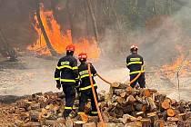 Čeští hasiči 10. srpna 2021 pomáhají s likvidací lesních požárů v oblasti řecké Arkádie