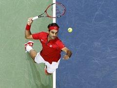 Roger Federer pomohl udržet Švýcary v elitní skupině Davis Cupu.