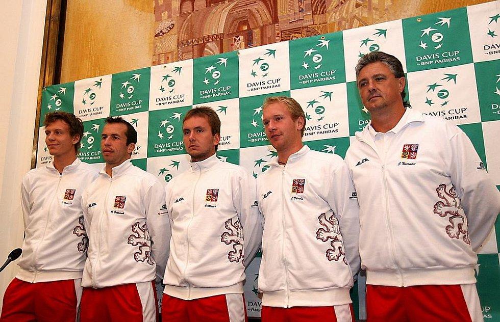 Los čtvrtfinále Davis Cupu Česko - Argentina v Ostravě: zleva Tomáš Berdych, Radek Štěpánek, Ivo Minář, Lukáš Dlouhý, Jaroslav Navrátil.