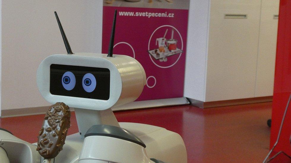 Roboti by kromě zmrzliny mohly připravovat i kávu nebo míchané nápoje.