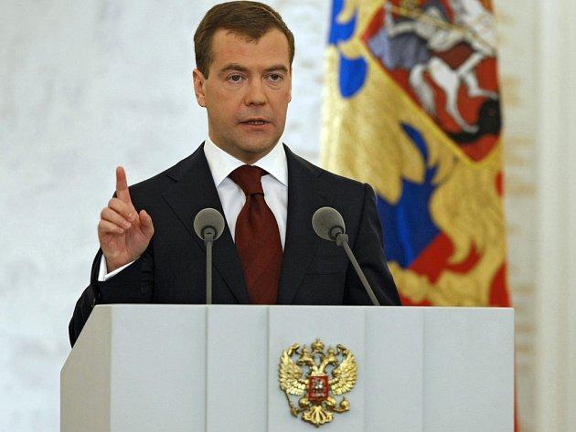 Dmitrij Medveděv při výročním projevu o stavu Ruska ve Svatojiřském sále Kremlu