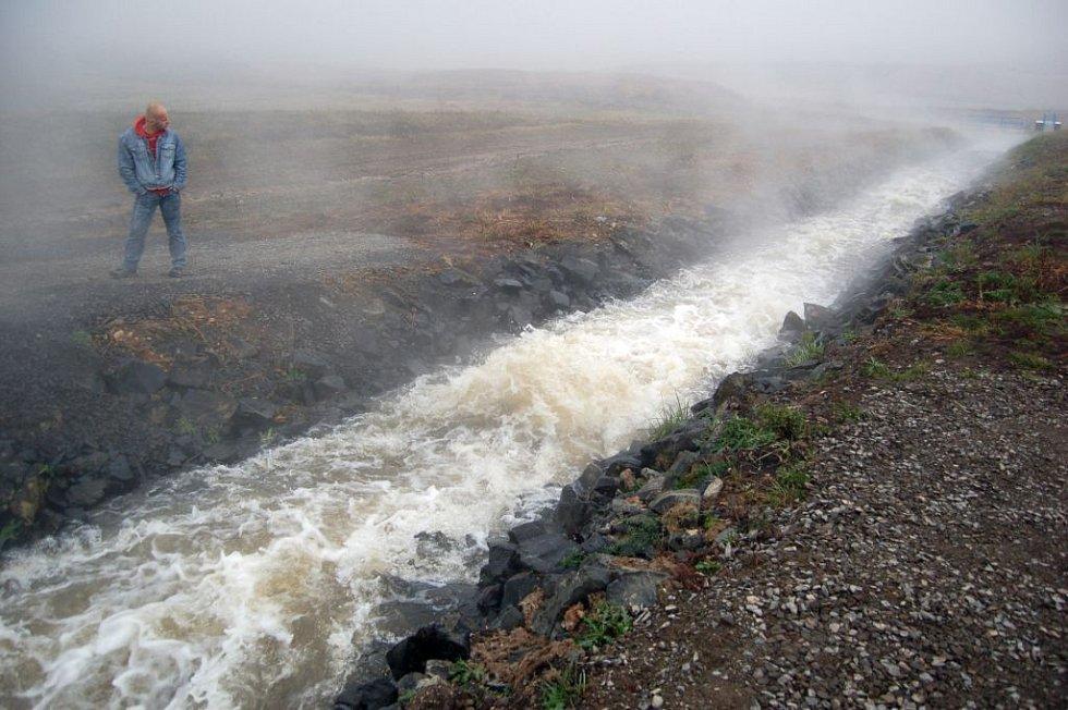 Maximální hloubka jezera bude 75 metrů. V okolí má postupně vzniknout rekreační zóna.