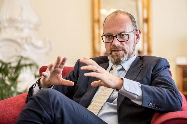Ministr školství Robert Plaga.