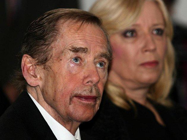 Exprezident České republiky Václav Havel obdržel v sobotu 10. prosince 2011 v centru součastného umění Dox v Praze 7 cenu Jána Langoše. Na slavnostní ocenění dorazila i slovenská premiérka Iveta Radičová.