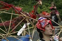 Karnevalový průvod uspořádaný v rámci 11. ročníku Pražského Quadriennale prošel 15. června Prahou.