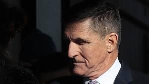 Bývalý poradce Bílého domu Michael Flynn přichází k soudu ve Washingtonu