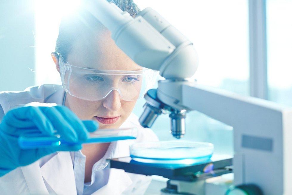 Perspektivu má celá řada profesí vrámci zdravotnictví a farmaceutického průmyslu.