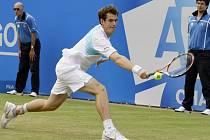 Andy Murray potvrdil roli nejvýše nasazeného hráče a v Queen's Clubu vyhrál.