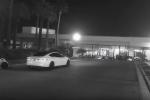 Tesla model S srazila robota.