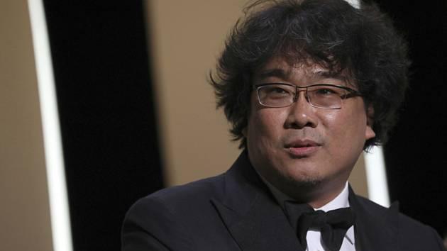 Závěr 72. ročníku filmového festivalu v Cannes. Jihokorejský režisér Pong Čun-ho, jehož drama Kisaengčchung (Parazit) získalo Zlatou palmu, hlavní cenu festivalu