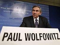 Prezident Světové banky Paul Wolfowitz má problémy kvůli přítelkyni.